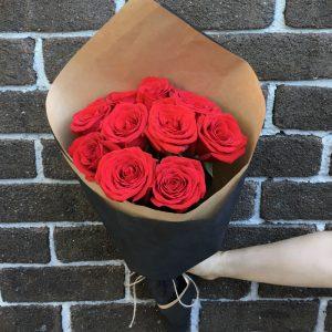10 medium stem red roses